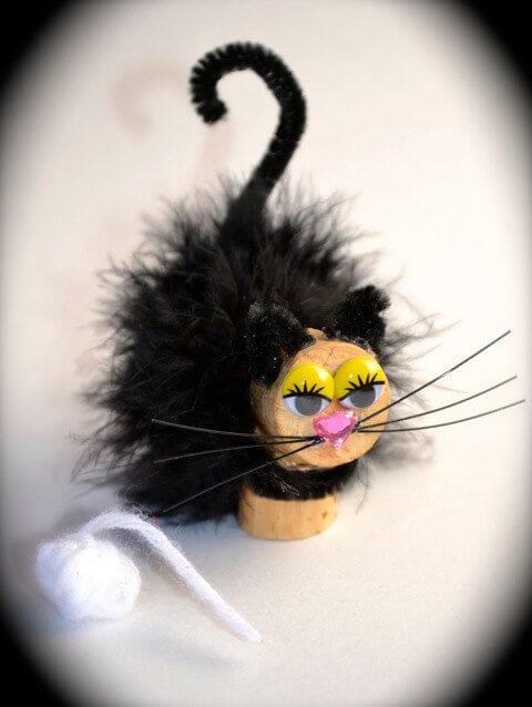 DiVine Wine Stopper Cat